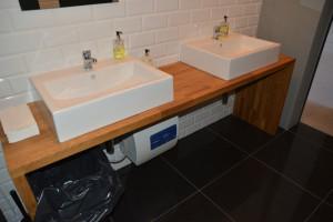 Wyposażenie łazienki, drewniany, dębowy blat