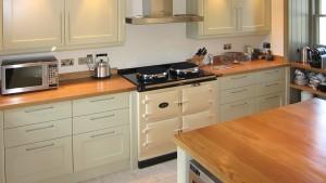 Drewniane wyposażenie kuchni, dąb lity