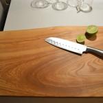 Niestandardowa, nowoczesna, drewniana deska do krojenia