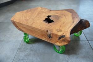 Niestandardowy drewniany blat na kółkach