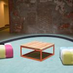 Drewniany stolik i pufy