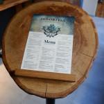 Drewno, menu w restauracji