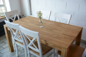 Drewniany stół dla 4 osób